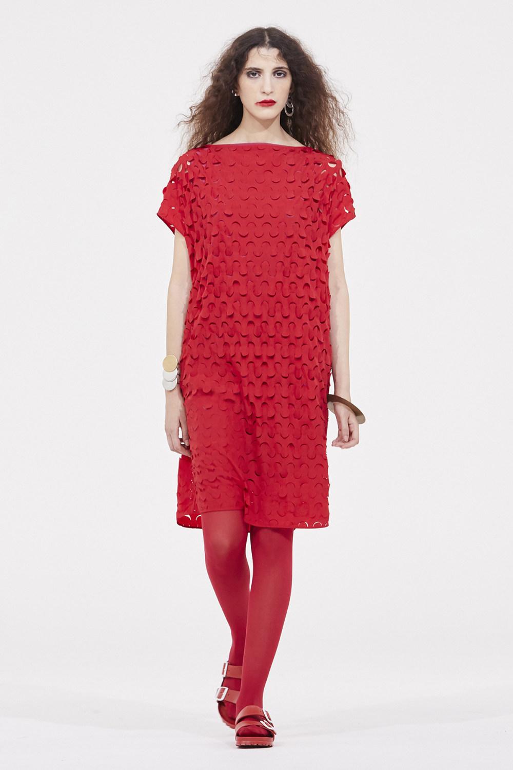Nicolas Andreas Taralis时装系列技术织物矩形条纹被缝合在一起-10.jpg