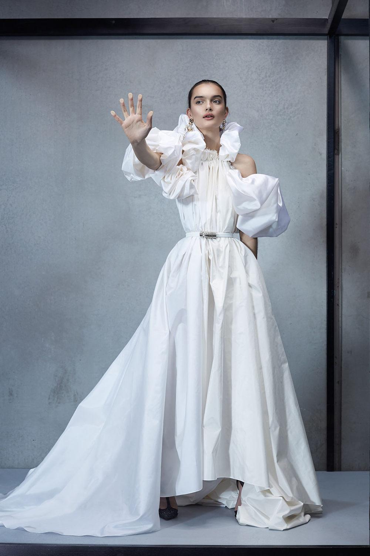 Maticevski时装系列无袖地板长度荷叶边紫红色礼服或棕色连衣裙-16.jpg