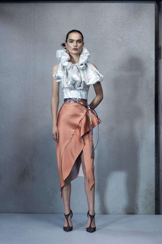 Maticevski时装系列无袖地板长度荷叶边紫红色礼服或棕色连衣裙-26.jpg