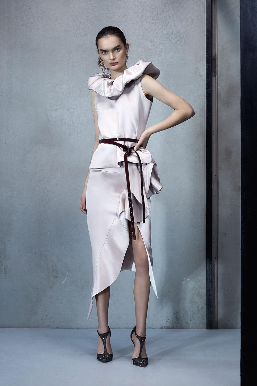 Maticevski时装系列无袖地板长度荷叶边紫红色礼服或棕色连衣裙-32.jpg
