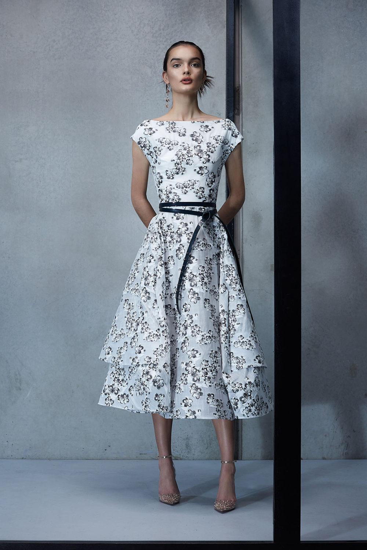 Maticevski时装系列无袖地板长度荷叶边紫红色礼服或棕色连衣裙-41.jpg