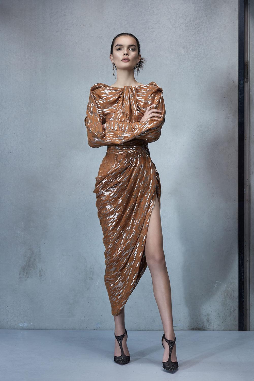 Maticevski时装系列无袖地板长度荷叶边紫红色礼服或棕色连衣裙-45.jpg