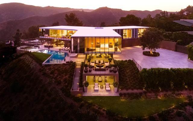 占地6000多平米的超大豪华住宅,街景与海景尽收眼底-2.jpg