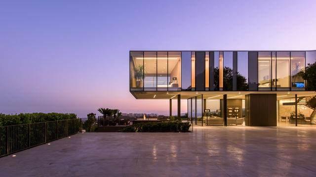 占地6000多平米的超大豪华住宅,街景与海景尽收眼底-8.jpg