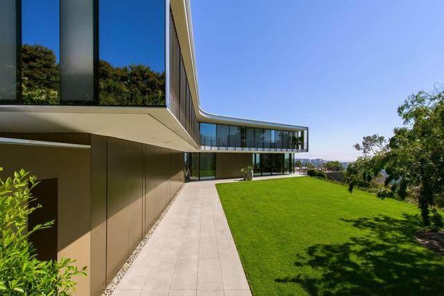 占地6000多平米的超大豪华住宅,街景与海景尽收眼底-7.jpg