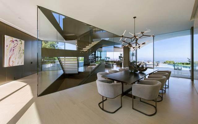 占地6000多平米的超大豪华住宅,街景与海景尽收眼底-11.jpg
