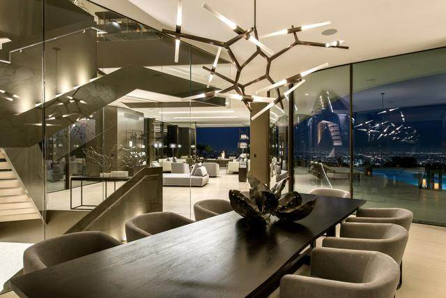 占地6000多平米的超大豪华住宅,街景与海景尽收眼底-12.jpg