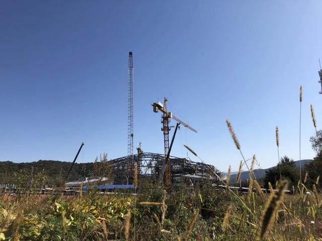 """亚布力中国企业家论坛会议中心最新施工进展,""""雪山""""轮廓初现-2.jpg"""