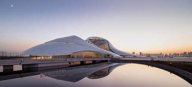"""亚布力中国企业家论坛会议中心最新施工进展,""""雪山""""轮廓初现-21.jpg"""