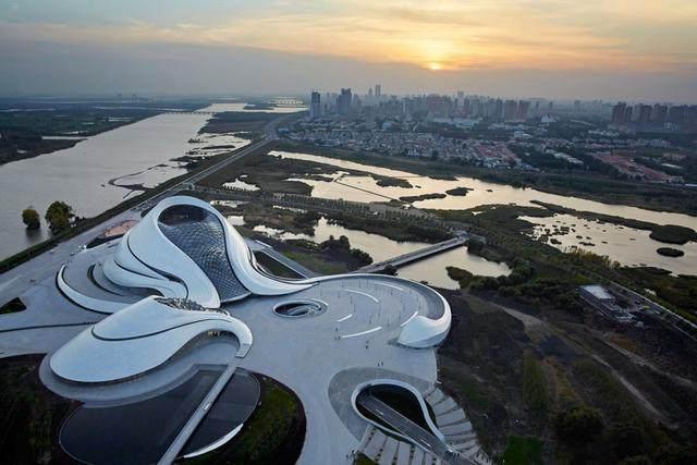"""亚布力中国企业家论坛会议中心最新施工进展,""""雪山""""轮廓初现-19.jpg"""