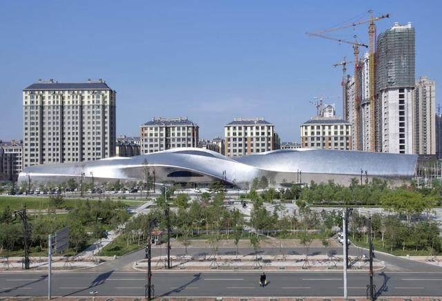 """亚布力中国企业家论坛会议中心最新施工进展,""""雪山""""轮廓初现-29.jpg"""