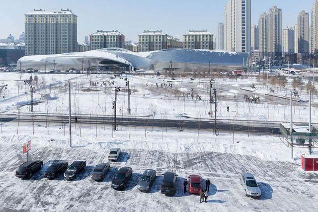 """亚布力中国企业家论坛会议中心最新施工进展,""""雪山""""轮廓初现-33.jpg"""