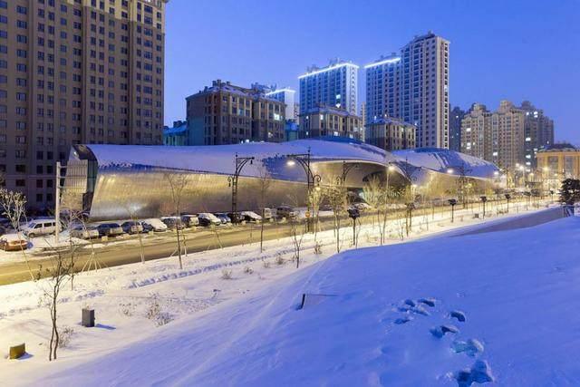 """亚布力中国企业家论坛会议中心最新施工进展,""""雪山""""轮廓初现-34.jpg"""