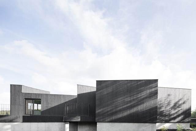 「設計」:巨石上的生态住宅空间-加拿大-5.jpg