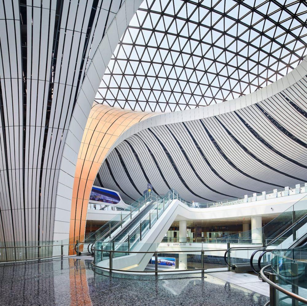 超魔幻的北京大兴国际机场 | 实景图+平面图 | 45P_超魔幻的北京大兴国际机场2.jpg