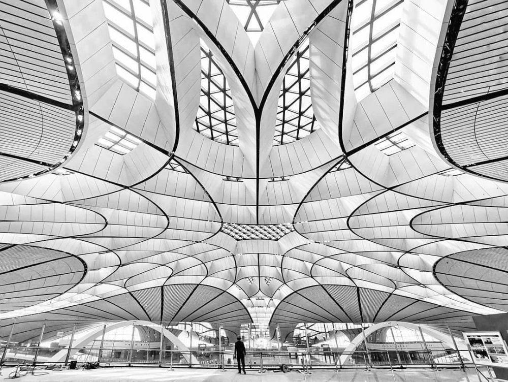 超魔幻的北京大兴国际机场 | 实景图+平面图 | 45P_超魔幻的北京大兴国际机场3.jpg