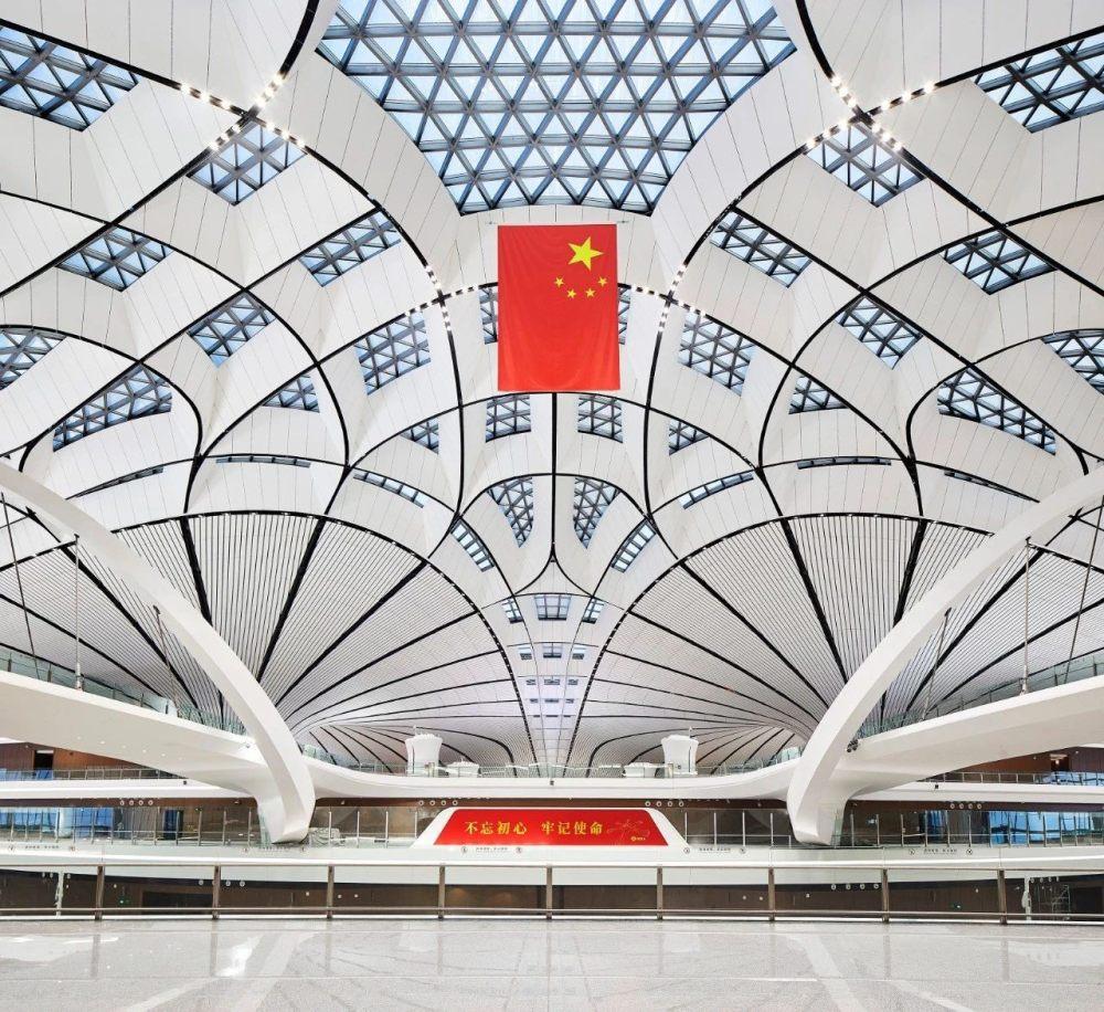 超魔幻的北京大兴国际机场 | 实景图+平面图 | 45P_超魔幻的北京大兴国际机场5.jpg