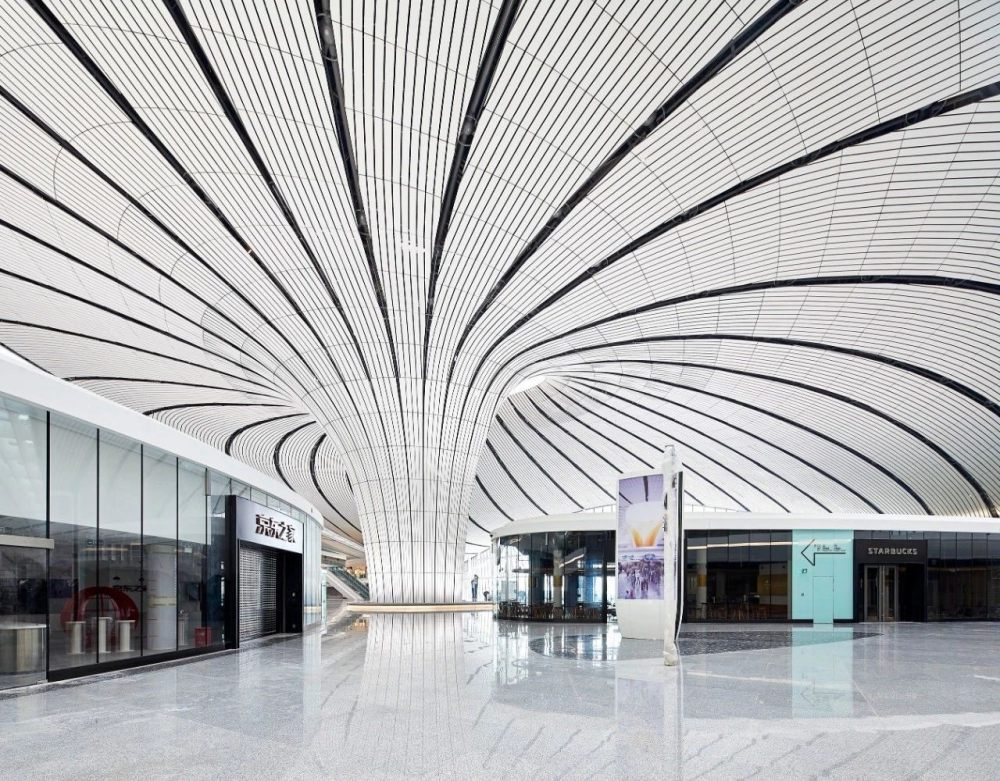 超魔幻的北京大兴国际机场 | 实景图+平面图 | 45P_超魔幻的北京大兴国际机场9.jpg
