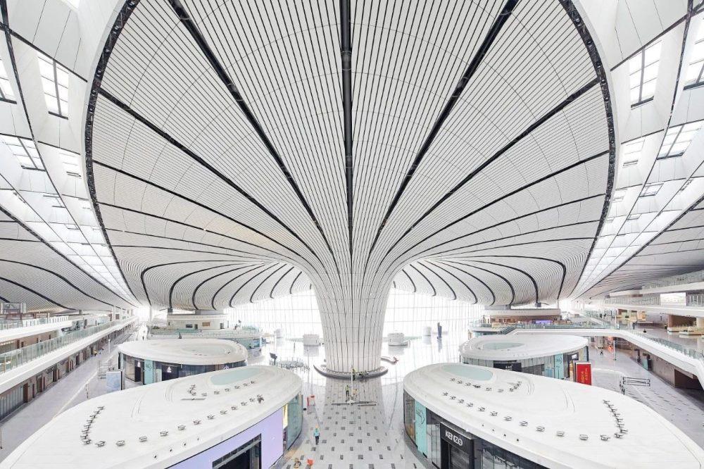 超魔幻的北京大兴国际机场 | 实景图+平面图 | 45P_超魔幻的北京大兴国际机场13.jpg
