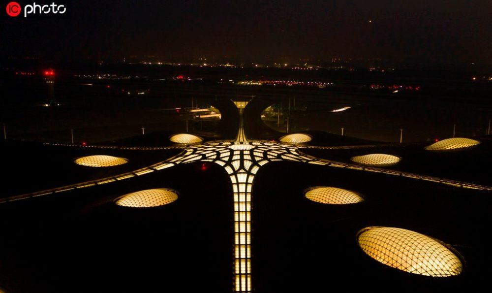 超魔幻的北京大兴国际机场 | 实景图+平面图 | 45P_超魔幻的北京大兴国际机场21.jpg