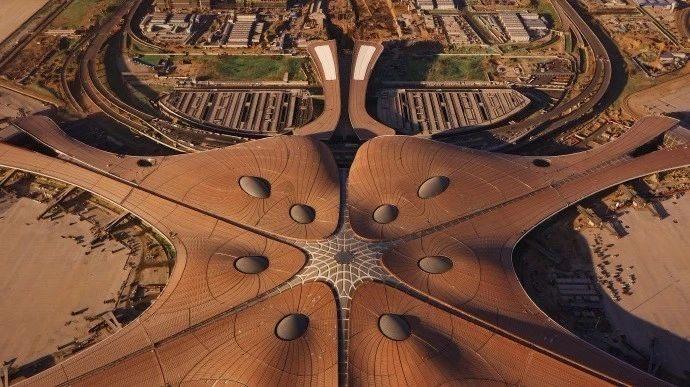 超魔幻的北京大兴国际机场 | 实景图+平面图 | 45P_超魔幻的北京大兴国际机场25.jpg