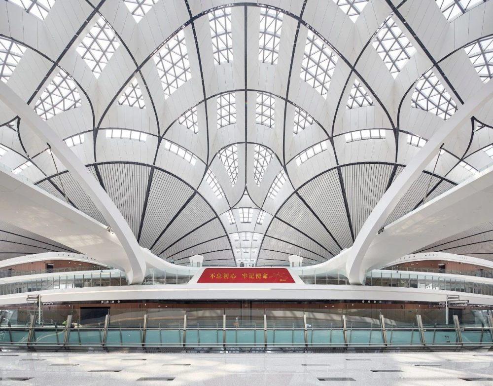 超魔幻的北京大兴国际机场 | 实景图+平面图 | 45P_超魔幻的北京大兴国际机场32.jpg
