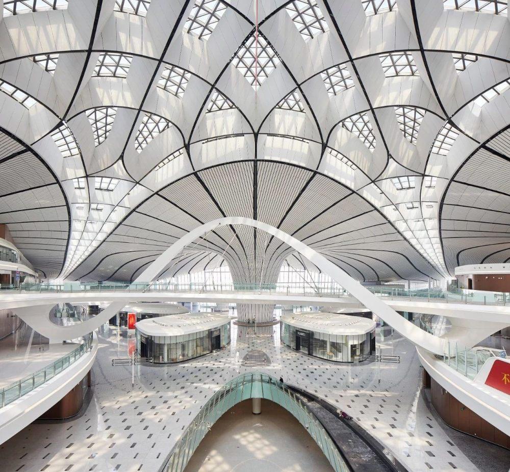 超魔幻的北京大兴国际机场 | 实景图+平面图 | 45P_超魔幻的北京大兴国际机场33.jpg
