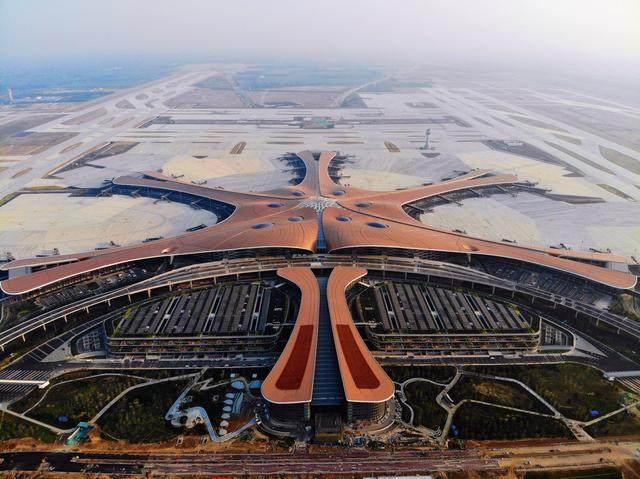 """北京大兴国际机场航站楼卫星厅开建,設計呈现""""一""""字造型-3.jpg"""