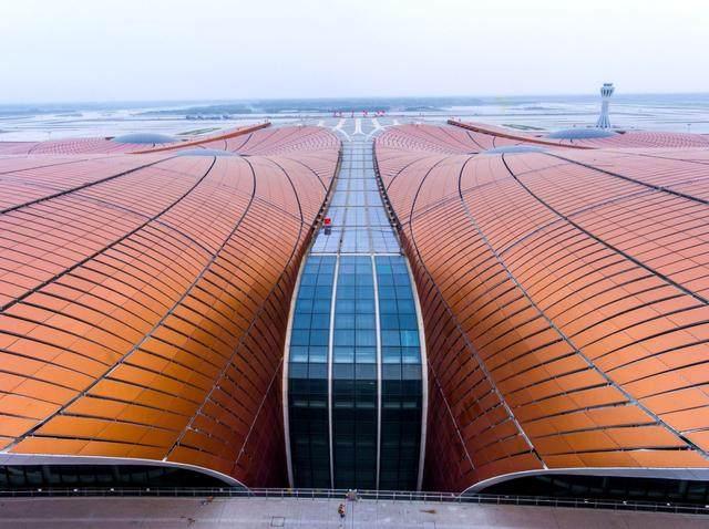 """北京大兴国际机场航站楼卫星厅开建,設計呈现""""一""""字造型-8.jpg"""
