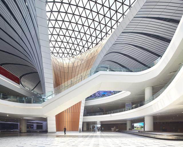"""北京大兴国际机场航站楼卫星厅开建,設計呈现""""一""""字造型-12.jpg"""