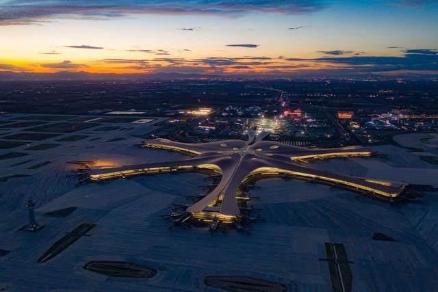 """北京大兴国际机场航站楼卫星厅开建,設計呈现""""一""""字造型-14.jpg"""