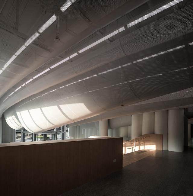 香港大学李嘉诚医学院大堂 / Atelier Nuno Architects-8.jpg