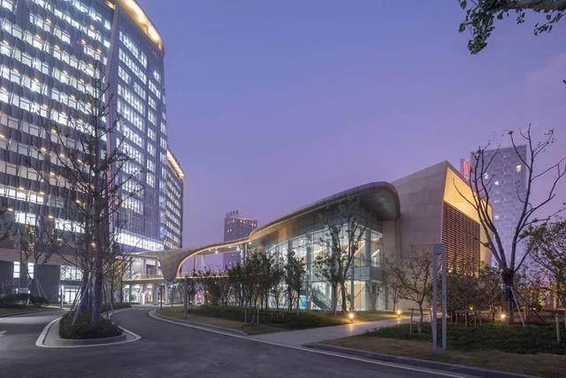 """苏州高新区人民医院二期設計解析,建築取意""""水与鲤鱼""""-15.jpg"""