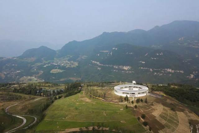 重庆武隆·懒坝美术馆,漂浮在山间的光环-4.jpg