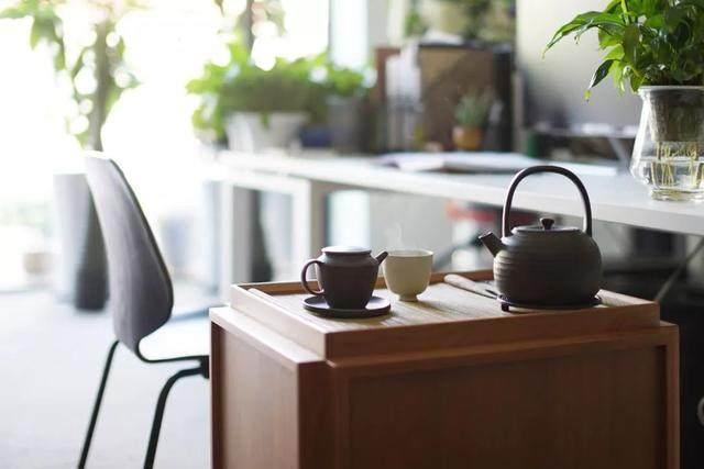 红点、IF获奖設計師专为爱喝茶的人做的小茶桌,朴素美好-13.jpg