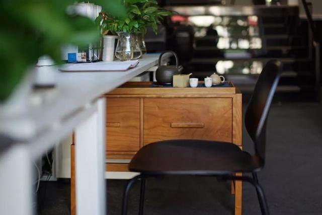 红点、IF获奖設計師专为爱喝茶的人做的小茶桌,朴素美好-14.jpg