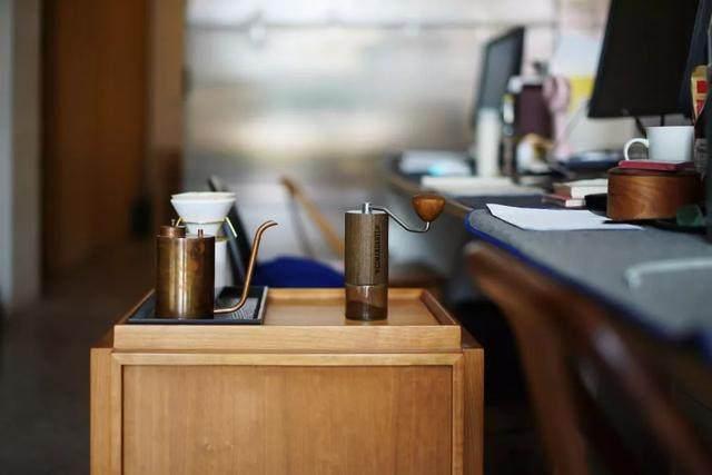 红点、IF获奖設計師专为爱喝茶的人做的小茶桌,朴素美好-18.jpg