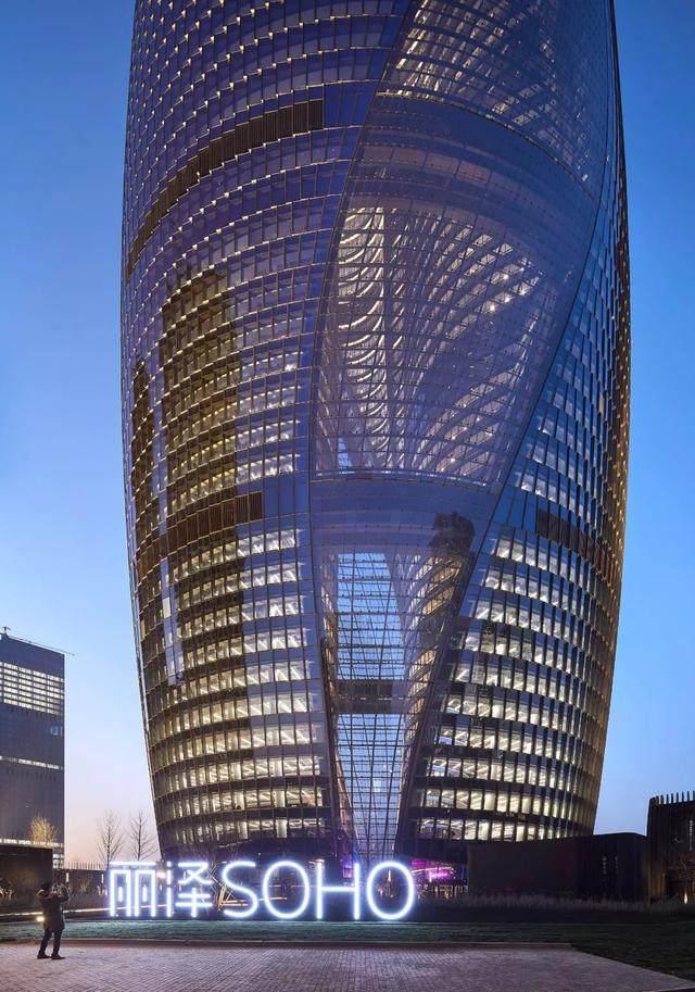拥有世界最高中庭的丽泽SOHO开放了,大桥谕这样形容她的美…-22.jpg