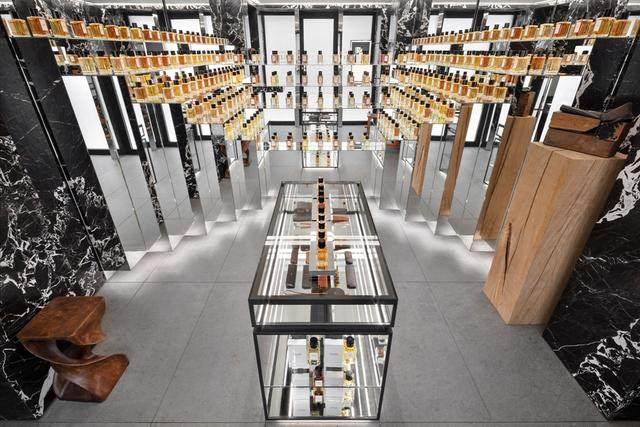 Celine首家香水店开业,光店铺設計就迷倒一片-4.jpg