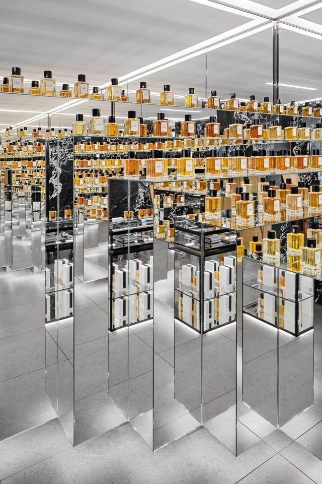 Celine首家香水店开业,光店铺設計就迷倒一片-7.jpg