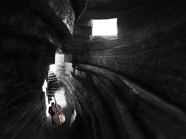 """""""山谷音乐厅""""封顶,建築犹如一块巨石-10.jpg"""