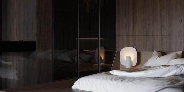大气奢华的住宅空间設計,以深灰色的现代软装设计为基础-36.jpg