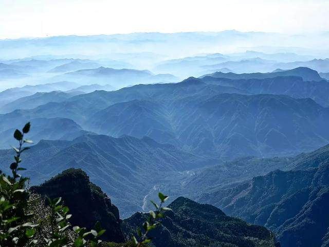 太行山·挂壁公路 I 穿行于壁立千仞的悬崖之上-4.jpg