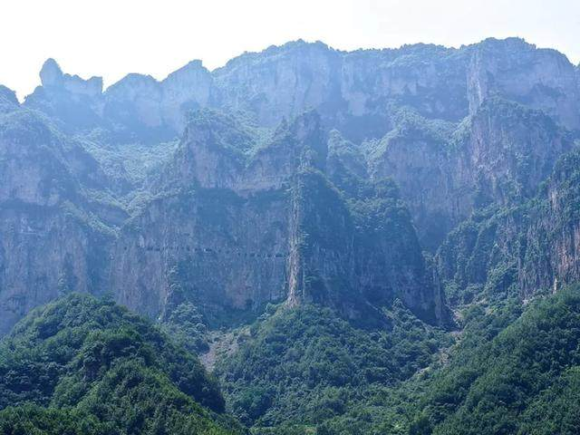 太行山·挂壁公路 I 穿行于壁立千仞的悬崖之上-5.jpg