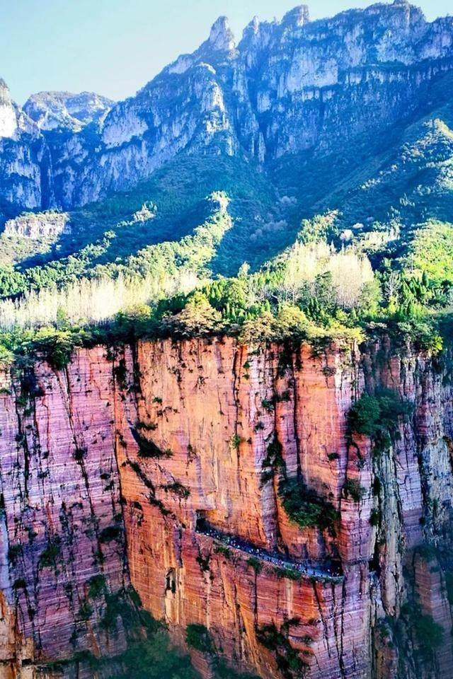 太行山·挂壁公路 I 穿行于壁立千仞的悬崖之上-6.jpg