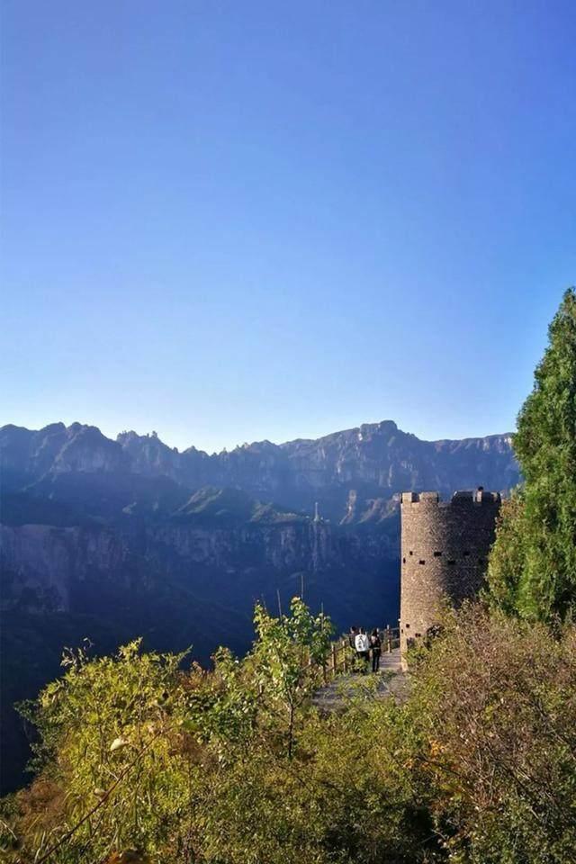 太行山·挂壁公路 I 穿行于壁立千仞的悬崖之上-9.jpg