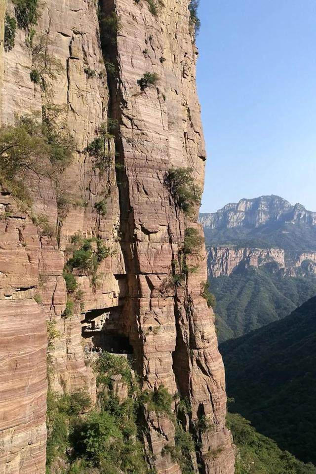 太行山·挂壁公路 I 穿行于壁立千仞的悬崖之上-12.jpg