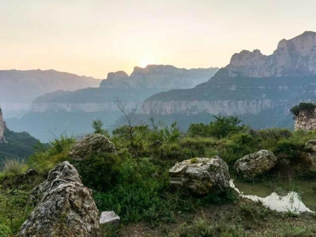 太行山·挂壁公路 I 穿行于壁立千仞的悬崖之上-13.jpg