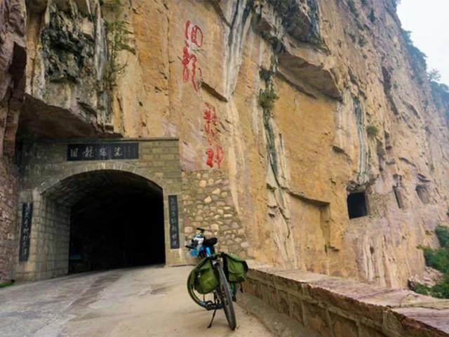 太行山·挂壁公路 I 穿行于壁立千仞的悬崖之上-16.jpg
