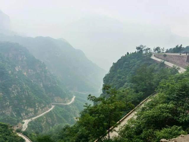 太行山·挂壁公路 I 穿行于壁立千仞的悬崖之上-15.jpg